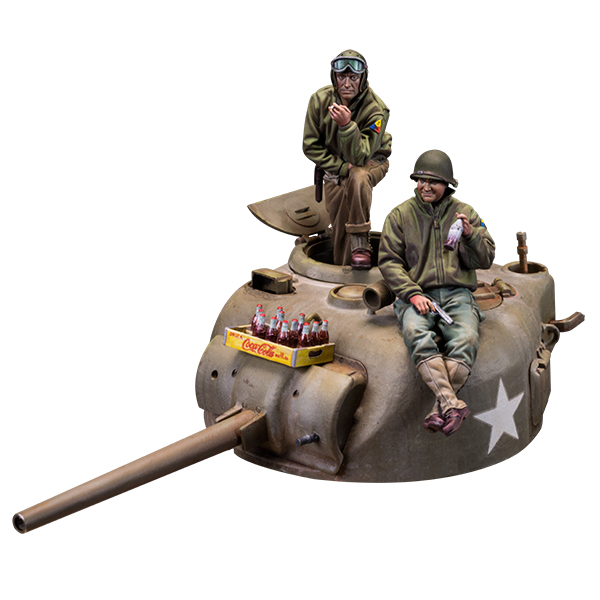 1/35 scale kit. Sherman tank turret + two figures 1/35 scale + coke crate